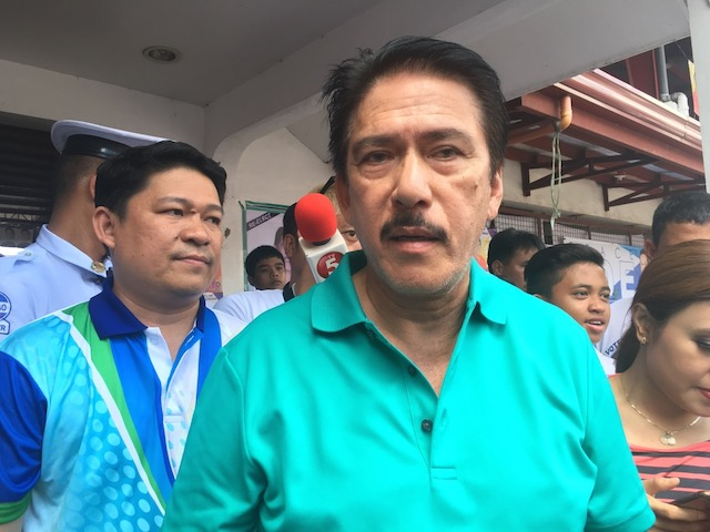 VINDICATED. Reelectionist Senator Vicente Sotto III (shown herecampaigning in Quezon province on March 9, 2016), a member of theSenate Electoral Tribunal, says the Supreme Court decision allowingpresidential candidate Grace Poe to run, vindicated SET's own rulingthat Poe is a natural-born Filipino. Photo by Camille Elemia/Rappler
