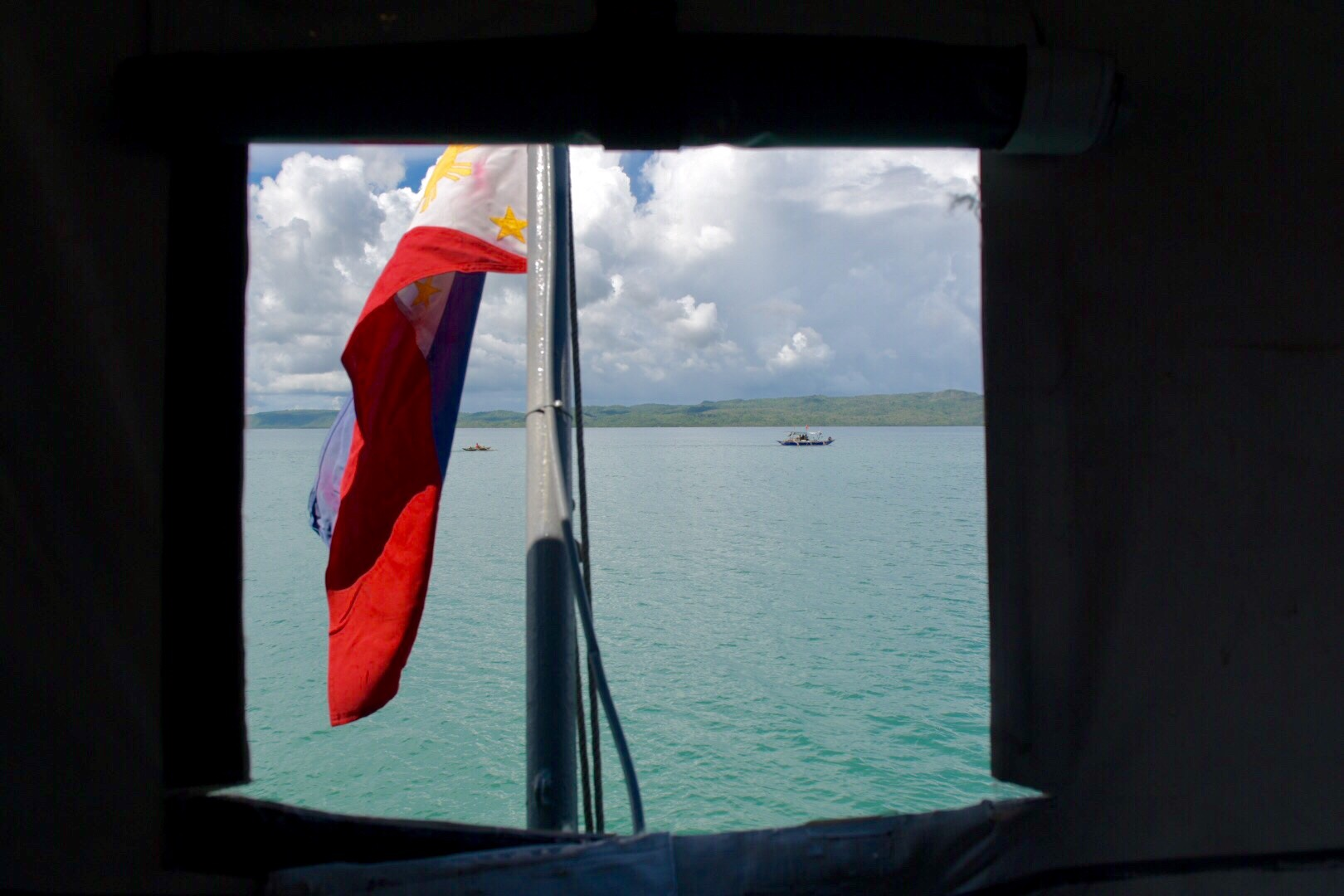 FOR FILIPINOS. The President is duty bound to protect the Constitution, which states marine resources must be protected for the exclusive use of Filipinos. Photo by LeAnne Jazul/Rappler