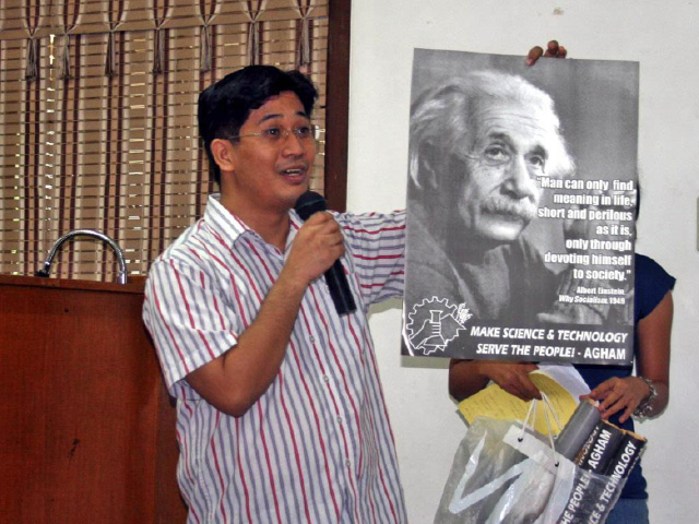 EINSTEIN. Physicist and AGHAM chairperson Dr Giovanni Tapang talks about how science and technology can serve the needs of the people. Image courtesy of Agham Youth