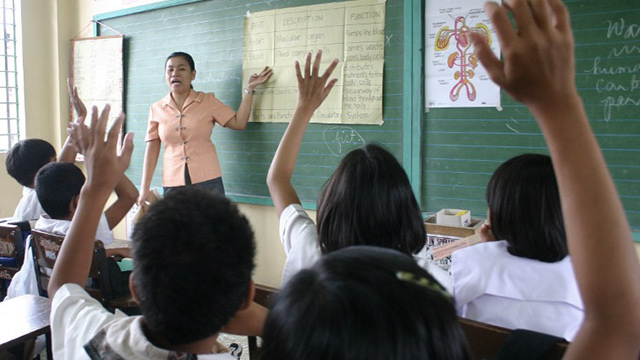 TEACHERS. Many 2016 presidential bets promise better salaries and benefits for teachers. Can they deliver? AFP file photo