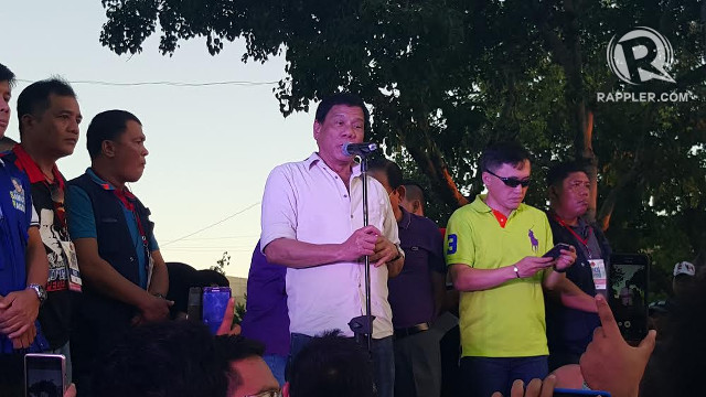 MAKING THE ROUNDS. Rodrigo Duterte speaks in front of Cebuanos during a gathering in Cebu City on January 7, 2016. Photo by Pia Ranada/Rappler