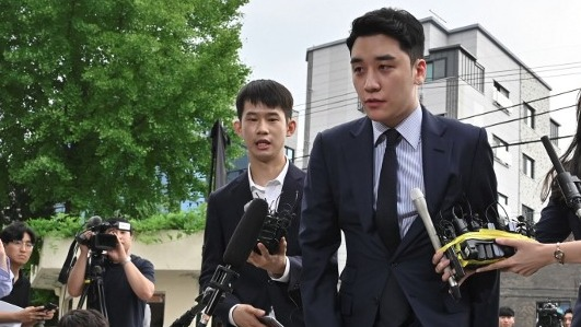 GAMBLING SCANDAL. Former BIGBANG member Seungri was questioned by police for illicit overseas gambling. Photo by Jung Yeon-je/AFP