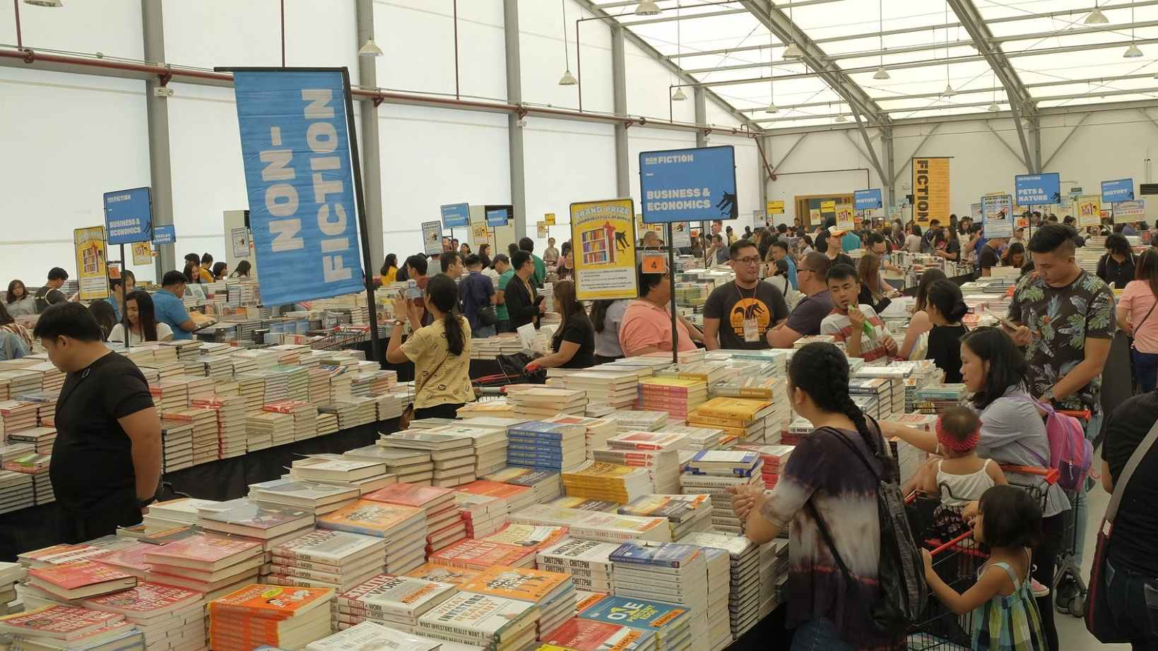 2020 SALE. Malaysian book sale Big Bad Wolf makes it Manila return from February 14 to 26, 2020 at World Trade Center. Photo from Big Bad Wolf's Facebook page