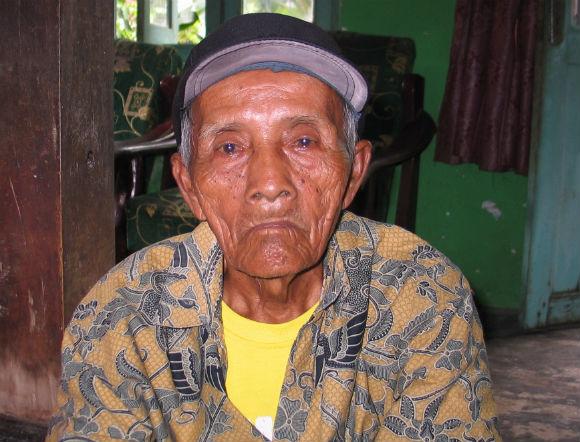 Proyo (83 tahun), dari Karanganyar. Foto oleh Ari Susanto