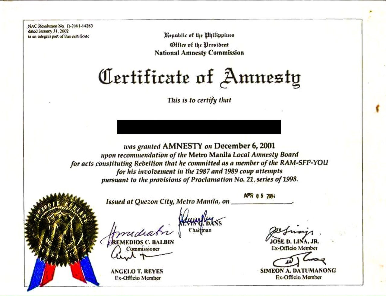 CERTIFICATE. Senator Trillanes presents a copy of a soldier's certificate of amnesty to show other presidents do not sign such documents. Photo from Trillanes' office