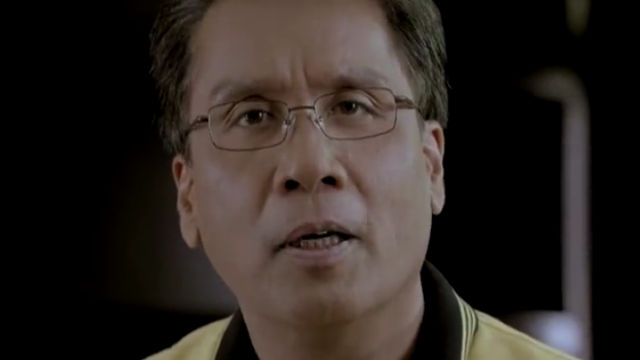 EDUCATION REFORM. Back in 2008, Mar Roxas filed a bill to reform the education system to make it globally competitive. Screen shot from Mar Roxas' Facebook video.