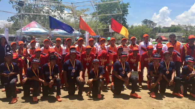 SMILES ON. Region X elementary boys baseball players beam victoriously for a snapshot as they wear their gold medals with pride at the awarding ceremony on Friday, April 28. Photo by Regine Villafuerte/ Rappler