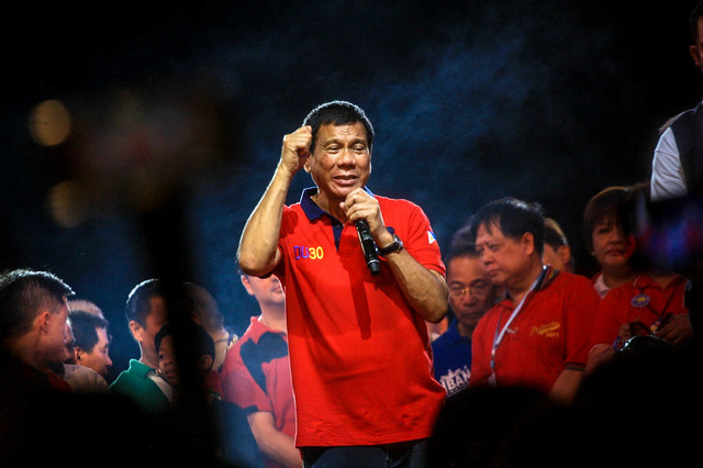 CAMPAIGN SEASON. Then presidential candidate Rodrigo Duterte speaks at his miting de avance days before the 2016 elections. File photo by Rappler