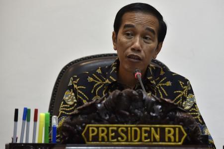 Presiden Joko Widodo memimpin sidang paripurna Dewan Energi Nasional di Kantor Presiden, Jakarta, Kamis (5/1). Foto oleh Puspa Perwitasari/ANTARA
