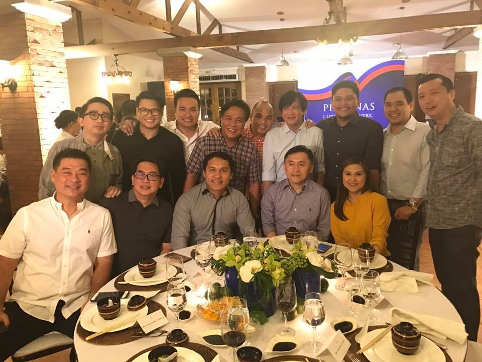THE PRESIDENT'S MEN. Special Assistant to the President Bong Go (2nd from right, bottom row) poses with lawmakers who are allied with the President. Photo from Dy
