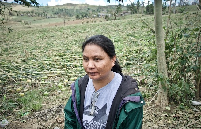 THANKFUL. Farmer Nora Aliman says she lost around 80 percent of the corn she was supposed to harvest to Ompong. Photo by Rambo Talabong/Rappler