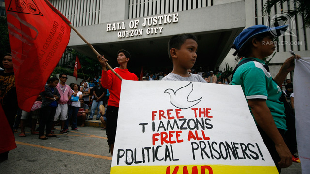 POLITICAL PRISONERS. The CPP-NPA has demanded the release of political prisoners. Rappler file photo