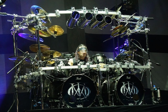 DRUMMER. Mike Mangini sang drummer. Foto dari Rajawali Indonesia
