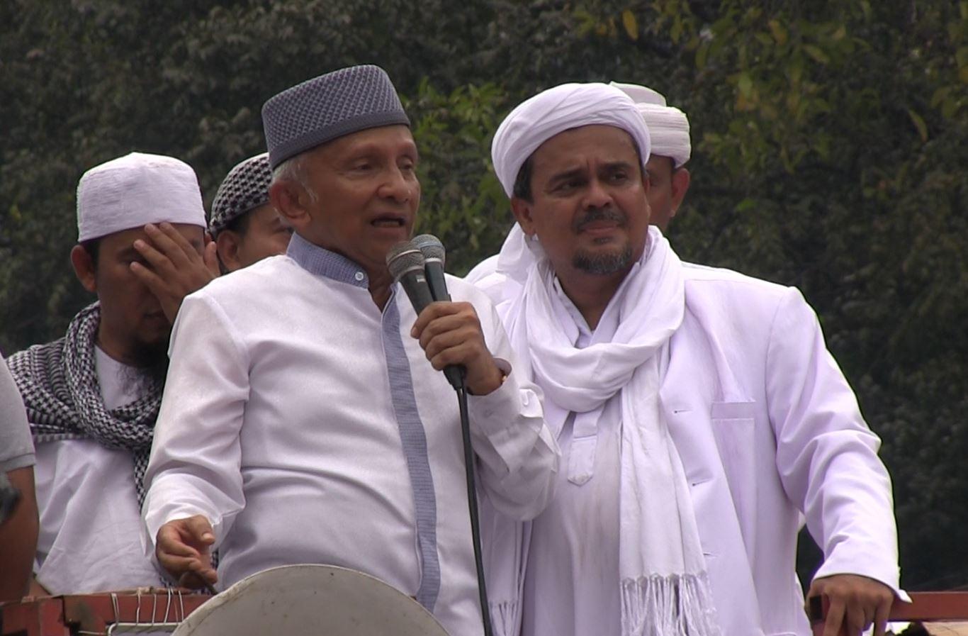 Amien Rais menjadi salah satu orator dalam 'Aksi Bela Islam' pada Jumat, 14 Oktober. Foto oleh Diego Batara/Rappler