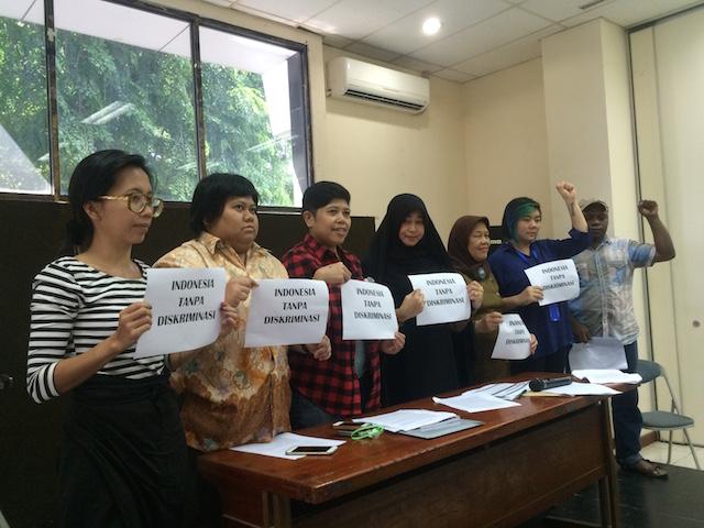 MINORITAS. Kelompok minoritas memperingati Hari Anti Diskriminasi yang jatuh pada Selasa, 1 Maret 2016 di kantor Lembaga Bantuan Hukum Jakarta. Foto oleh Febriana Firdaus/Rappler