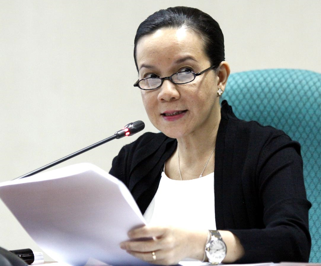 AT THE SENATE: Senator Grace Poe releases an executive summary of her committee's draft report on the Mamasapano tragedy. Rappler file photo