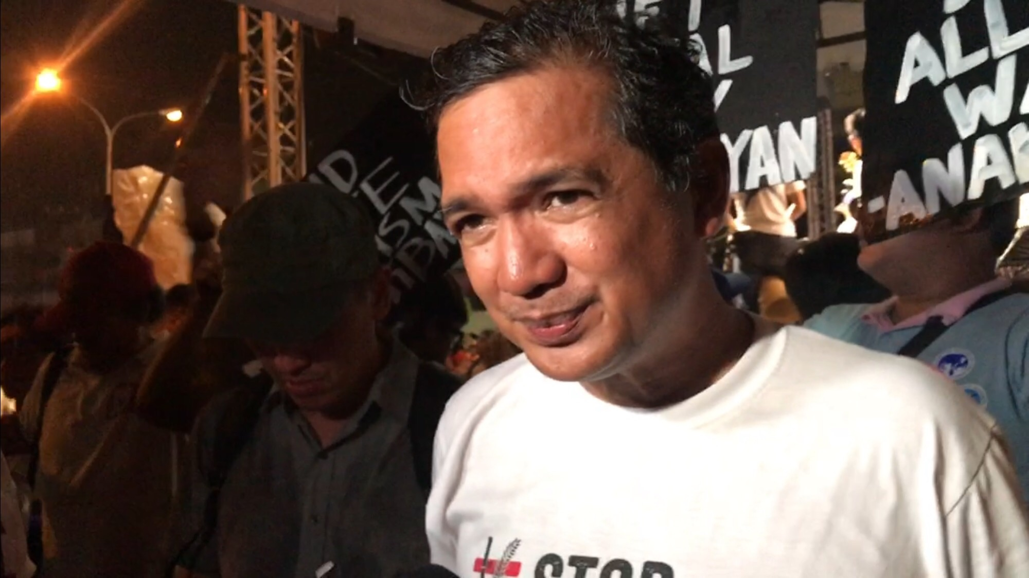 AIRING GRIEVANCES. After President Rodrigo Duterte faced SONA protesters, former Bayan Muna representative Teddy Casiu00f1o says it was a good gesture but not enough. Photo by Rambo Talabong/Rappler