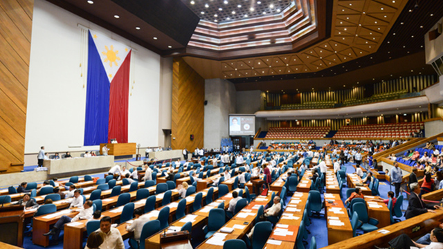 APPROVAL. The House of Representatives passes the draft federal constitution on final reading. File photo by Martin San Diego/Rappler