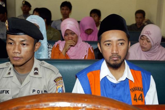Tokoh Syiah Tajul Muluk dihukum dua tahun penjara karena menodai agama. Pengadilan juga menilai ajarannya menyimpang serta menyebabkan keresahan publik. Foto oleh Juni Kriswanto/AFP