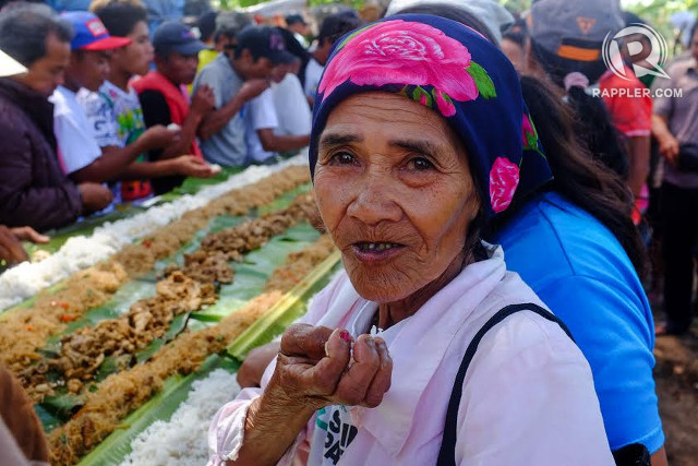 MINDANAO'S HUNGER. Farmer Nomeriana Nacario says she now offers her services at the weekend market in the city center of Tagoloan in exchange for a sack of rice. Photo by Bobby Lagsa/Rappler