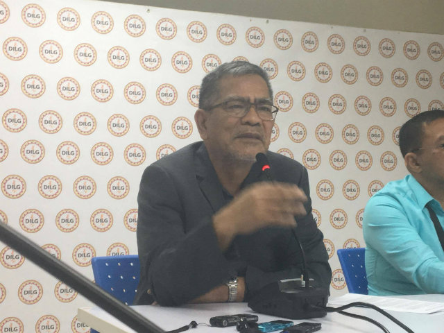 FULL-SUPPORT. Interior Secretary Ismael Sueno affirmed in a press briefing on Tuesday, November 8, that the authorities are investigating the recent murder of Albuera Mayor Rolando Espinosa, Sr. Photo by Khristine Montenegro/Rappler