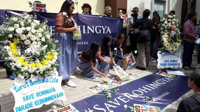 SAVE ROHINGYA. Ilustrasi demonstrasi di depan Kedutaan Besar Myanmar di Jakarta yang dilakukan pada tahun 2016. Foto dari Nong Darol Mohmandah