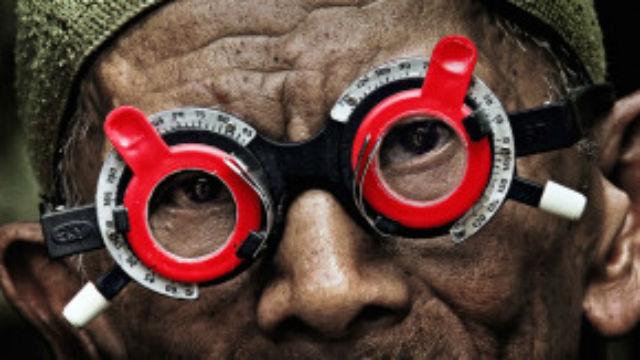Film The Look of Killing, atau Senyap, menampilkan kerabat salah seorang korban pembantaian penumpasan PKI pada tahun 60an di Indonesia. Foto oleh Thelookofsilence.com.