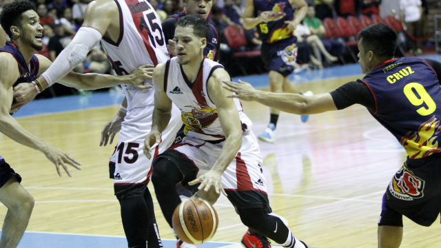 STEPPING UP. Marcio Lassiter comes up big when his team needs it. Photo from PBA Images