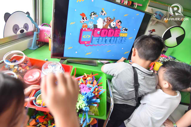 Kids learning about conditional statements through a fun game. Photo by LeAnne Jazul/Rappler