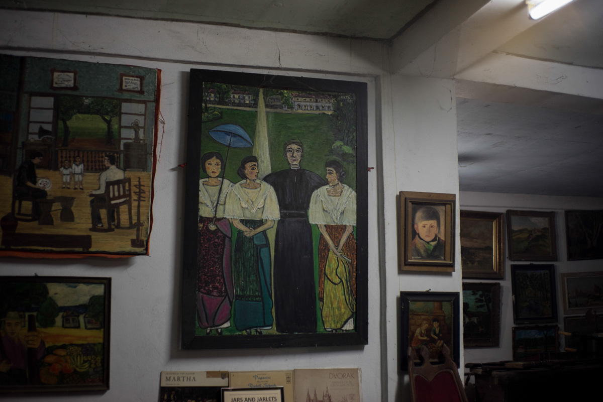 FAMILY HISTORY. The Carino family in Tayum traces their roots to the 3 daughters of the priest assigned in the poblacion, as shown in Ambassador Rosario Cariu00f1o''s painting (center). Photo by Maverick Asio