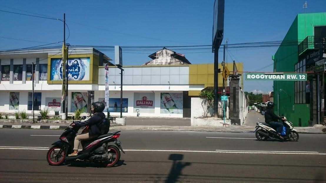 Liquid Bar and Kitchen yang menjadi lokasi ledakan pada Rabu malam, (26/10). Foto oleh Dyah Ayu Pitaloka/Rappler