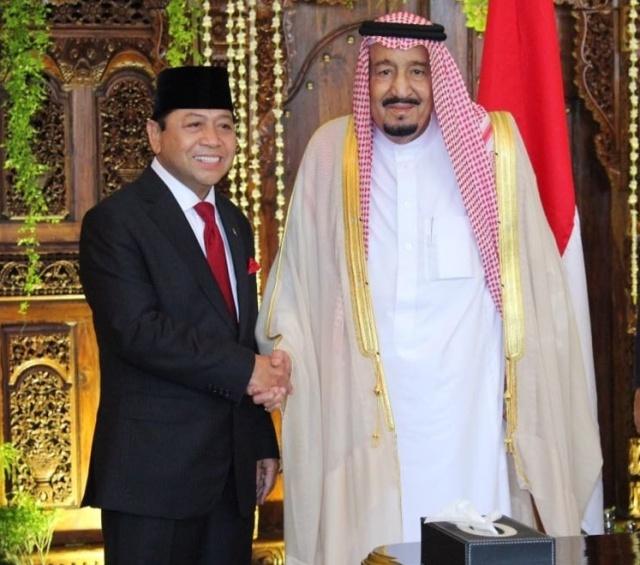 MOHON AMPUN. Ketua DPR, Setya Novanto memohon ampun kepada Raja Salman bin Abdulaziz bagi TKI yang terancam hukuman mati di Saudi. Foto diambil dari akun Twitter @DPR_RI