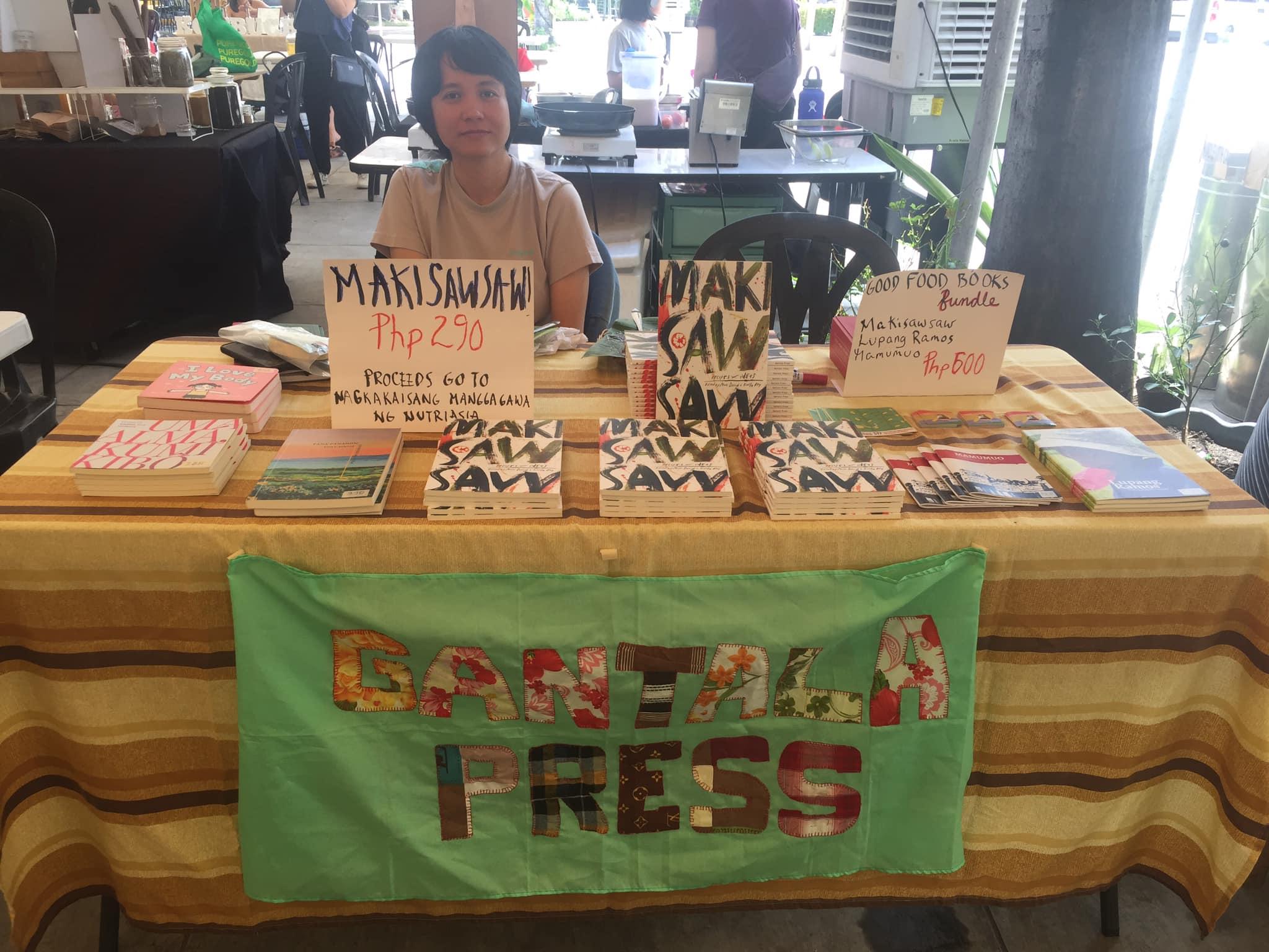 SALE. Gantala Press is stationed at Good Food Sundays to sell 'Makisawsaw' and other published works. Photo courtesy of Gantala Press