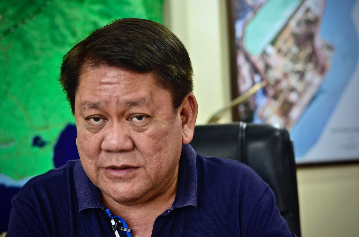 LOCAL CHIEF. Cebu City Mayor Tomas 'Tommy' Osmeu00f1a at his office in the executive building of their city hall. Photo by Rambo Talabong/Rappler