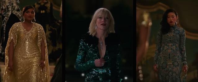 FASHIONISTA. Para aktris pemeran 'Ocean's 8' tampil dengan busana dan make up nyaris sempurna. Foto dari screen capture akun YouTube Warner Bros. Pictures
