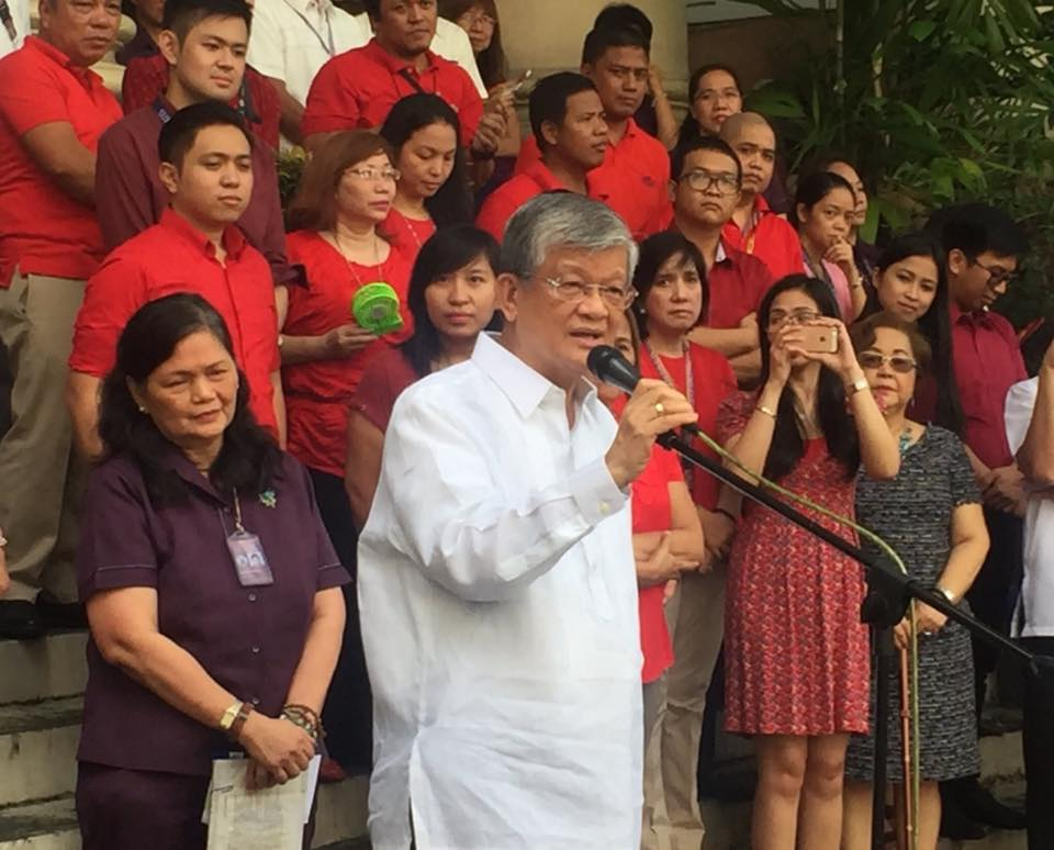 JBC AFTER SC? Retiring Associate Justice Jose Mendoza attends his last flag ceremony at the Supreme Court (SC) on August 7, 2017. Photo by SC PIO's Twitter page