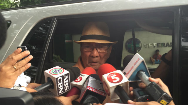 ARROYO LAWYER. Flaminiano grants a quick media interview on July 19. Photo by Mara Cepeda/Rappler