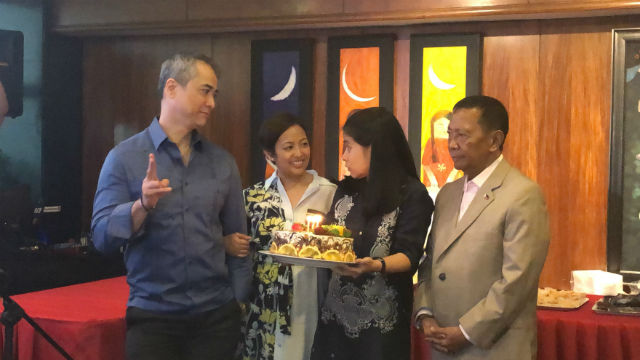 BIRTHDAY GIRL. Makati Mayor Abby Binay (2nd from left) is greeted by her husband and Makati 2nd District Representative Luis Campos (extreme left), her father and ex-vice president Jejomar Binay, and Vice Mayor Monique Lagdameo. Photo by Mara Cepeda/Rappler