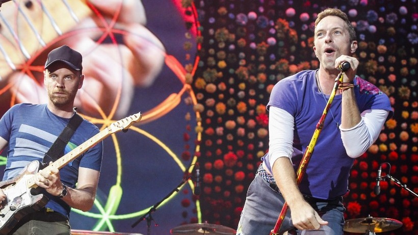 SHELVED PLANS. British band Coldplay's lead singer Chris Martin announced that they will be taking time off from promoting their latest album to form a more sustainable tour. Photo by Geoffroy Van Der Hasselt/AFP