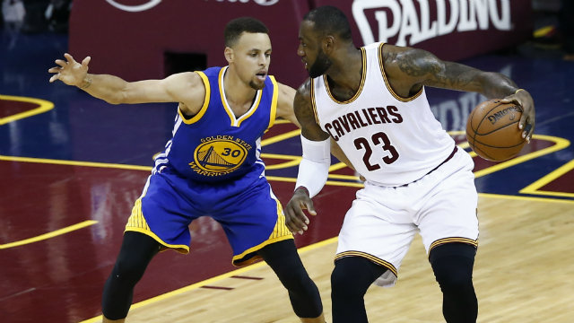 GAME 7. Cleveland Cavaliers forward LeBron James (R) and Golden State Warriors guard Stephen Curry (L) will engage in one final showdown for all the marbles in Game 7. Photo by LARRY W. SMITH/EPA