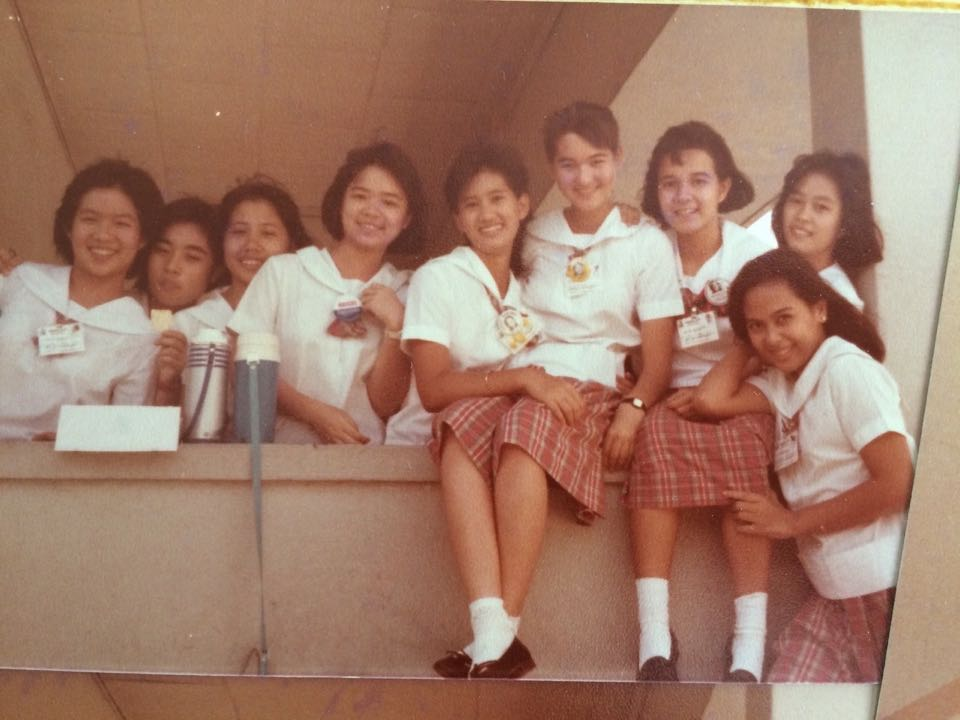 FRIENDS FOREVER. Poe (third from right) and her high school friends in Assumption College. Photo by Malu Gamboa