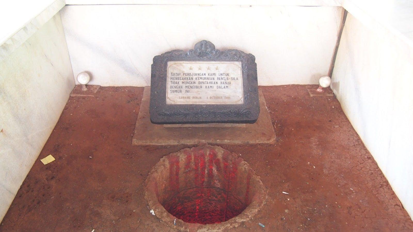 LUBANG BUAYA. Lubang yang pada tahun 1965 digunakan untuk mengubur jasad tujuh jenderal usai dibunuh. Foto oleh ANTARA
