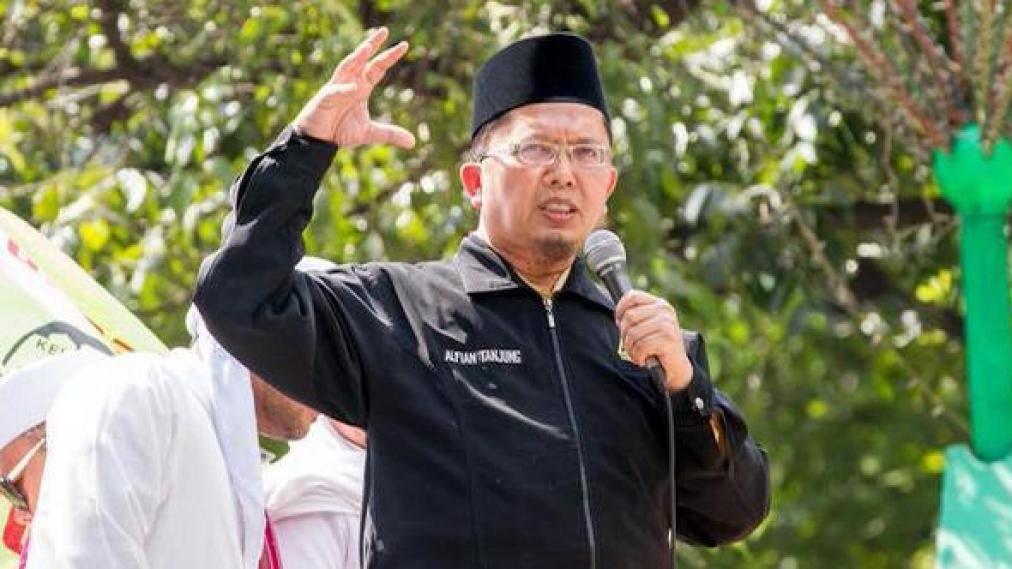 DIVONIS. Majelis hakim Pengadilan Negeri Surabaya menjatuhkan vonis dua tahun terhadap Alfian Tanjung atas perbuatan ujaran kebencian. Foto oleh VOA-Islam
