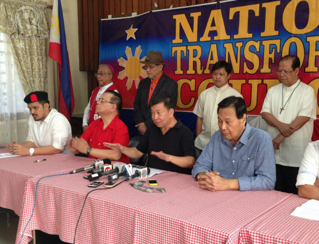 BACKED BY BISHOPS. Calling for government reform, 4 religious leaders stand behind 5 civilian leaders of the National Transformation Council in a meeting on February 26, 2015. Photo by Paterno Esmaquel II/Rappler