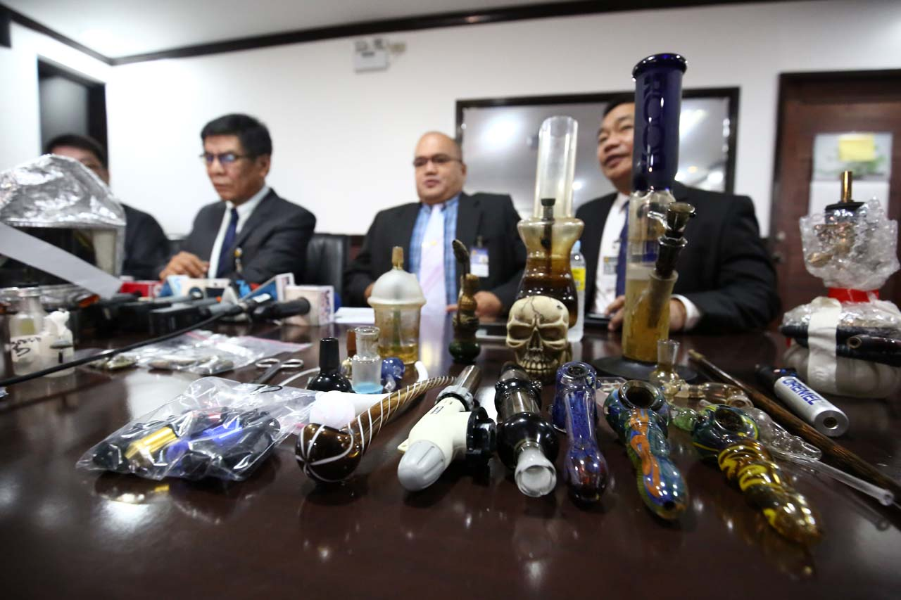 DRUG PARAPHERNALIA. NBI probers show tools used in the illegal drug trade. Photo by Ben Nabong/Rappler