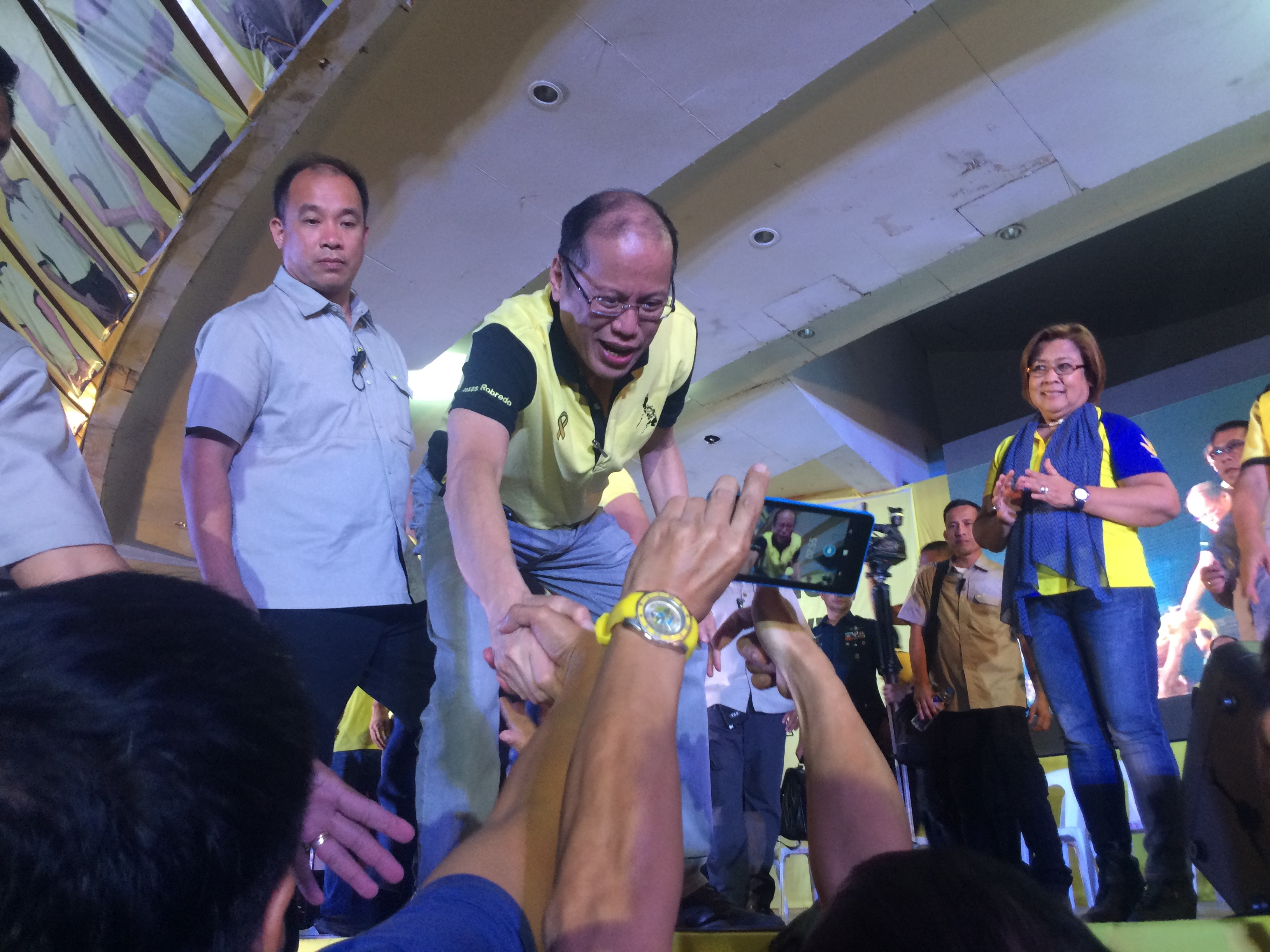 CHIEF CAMPAIGNER. President Aquino woos Bicolano votes for the LP coalition. File photo by Bea Cupin/Rappler