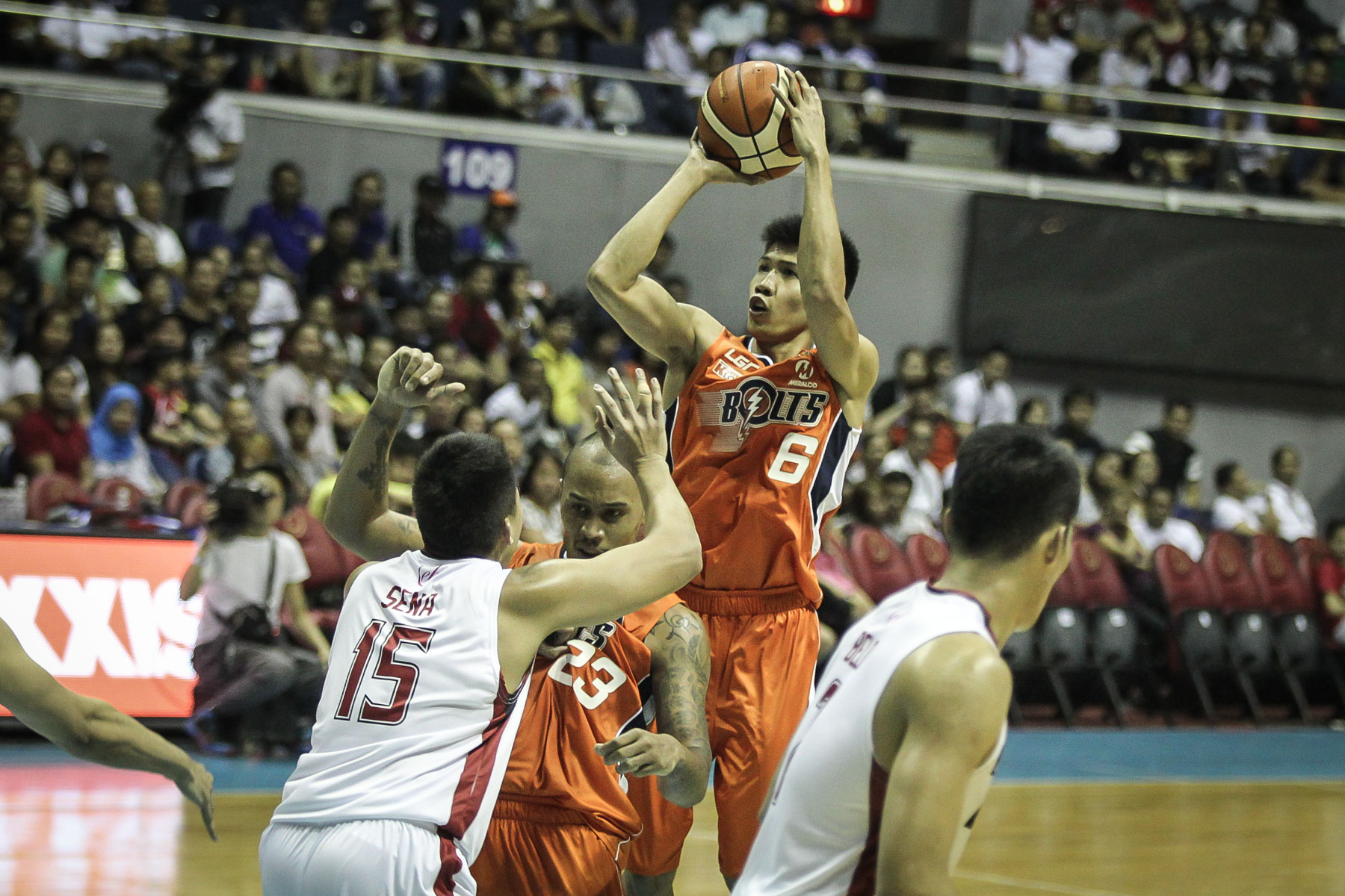 THE TIGER ROARS. Ed Daquioag has brought his game from college to the pros. File photo by Josh Albelda/Rappler