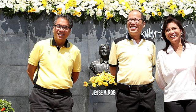 GUNNING FOR 2016. President Benigno Aquino III with LP standard bearer Mar Roxas and Camarines Sur Representative Leni Robredo in Naga City for the commemoration of Jesse Robredo's third death anniversary. Photo by Joseph Vidal/ Malacau00f1ang Photo Bureau