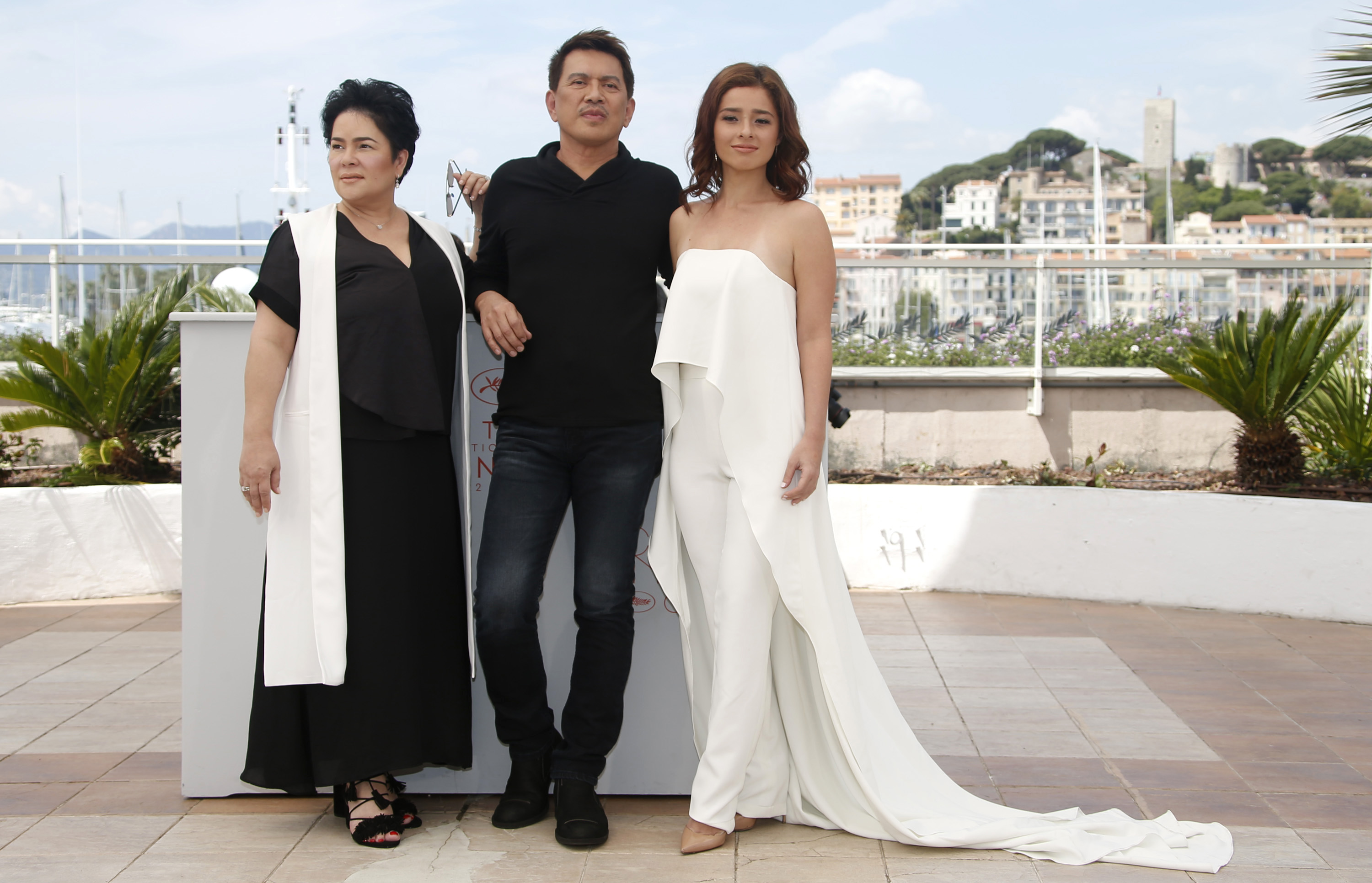 Andi Eigenmann, director Brillante Mendoza, and actress Jaclyn Jose  pose during the photocall for 'Ma'Rosa' at the 69th annual Cannes Film Festiva on May 18. Photo by Guillaume Horcajuelo/EPA