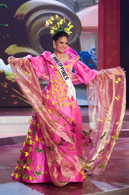 VIETNAM COMPETITION. Miss Philippines Jennifer Barrientos poses in her national costume during a taping for the upcoming Miss Universe Competition in Nha Trang, Vietnam on July 10, 2008.  File photo Darren Decker/Miss Universe Organization/AFP